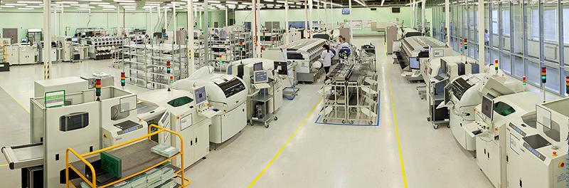 Сборочная линия работает в основном на производство приставок «Триколор ТВ», но может выдавать любую продукцию