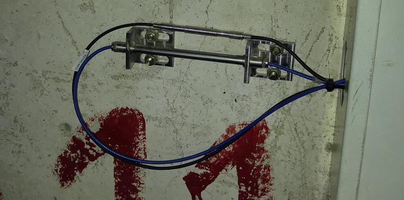 Один из парных датчиков, размещенный в подвале дома на ул. Беляева 43