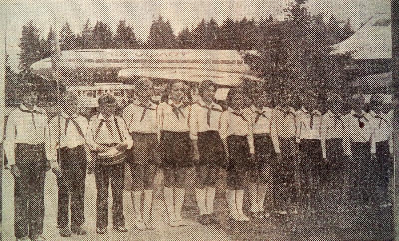 Самолет Ту-104 в пионерском лагере