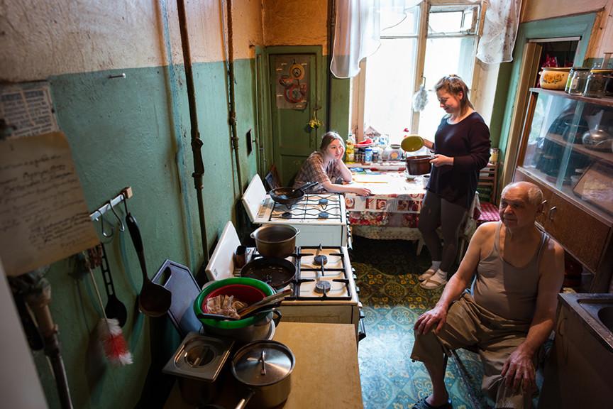 """В России есть большой опыт """"коливинга"""". Только называется он """"коммунальная квартира"""""""