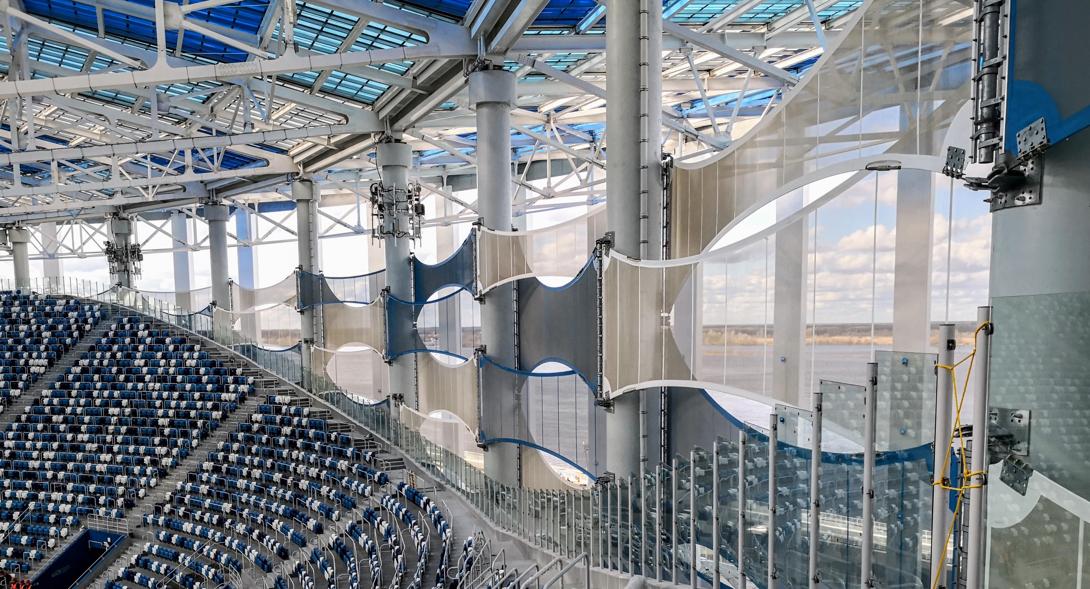 Мембраны, защищающие чашу стадиона от ветра, вид изнутри