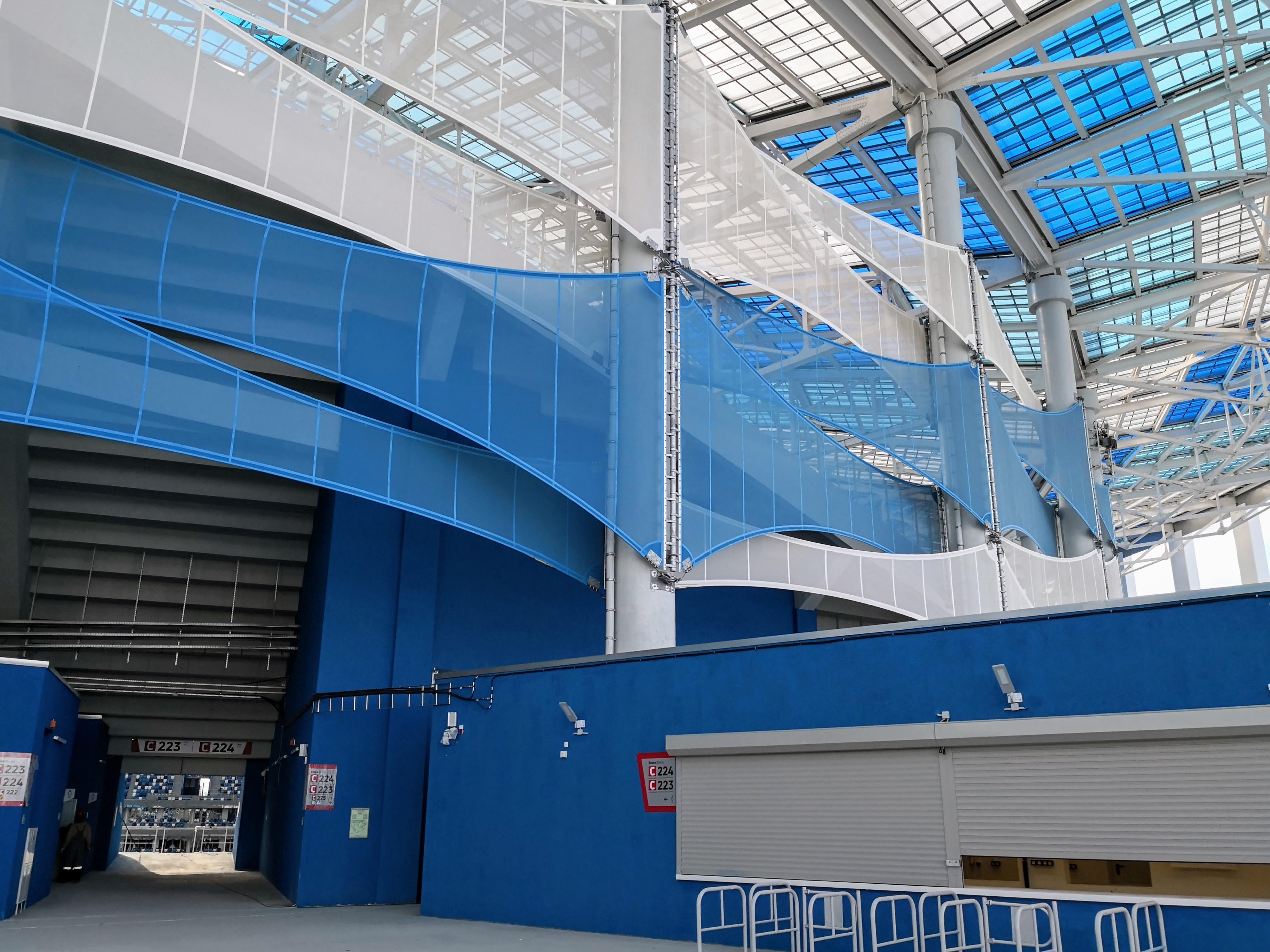 Мембраны, защищающие чашу стадиона от ветра, вид снаружи