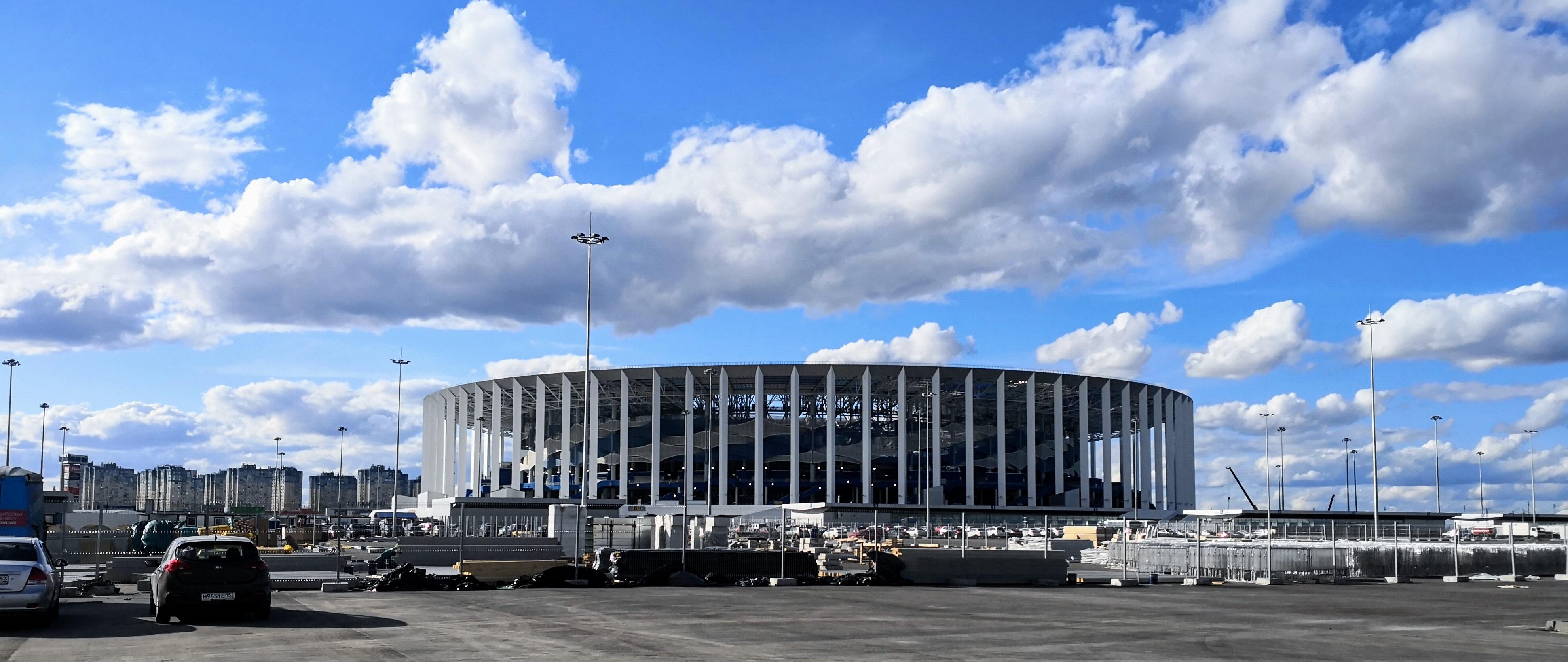 Стадион со стороны набережной